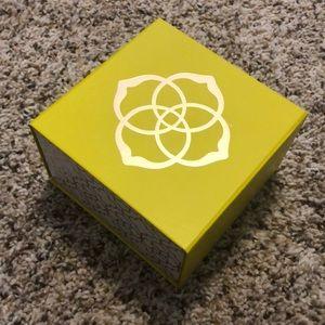 Kendra Scott box